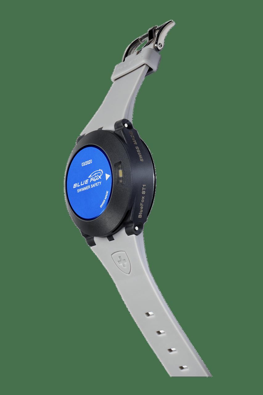 alarming anti-drowning device on a wrist